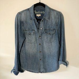 Madewell Denim Snap Button Shirt, size M